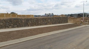 Rock Retaining walls melbourne (16)