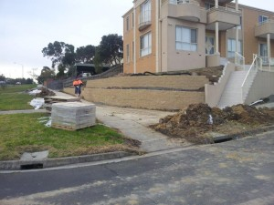 Rock Retaining walls melbourne (21)